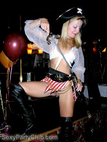 Marchs Fullroom Swing Party Porn Videos - TNAFLIX